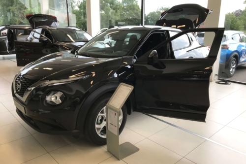 Nissan Juke new 1.0 benzine 117pk N-Connecta+ navigatie zwart